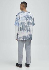 PULL&BEAR - Print T-shirt - blue - 3