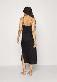 Anna Field - SIMPLE LONG LINE NIGHTIE  - Negligé - black - 2