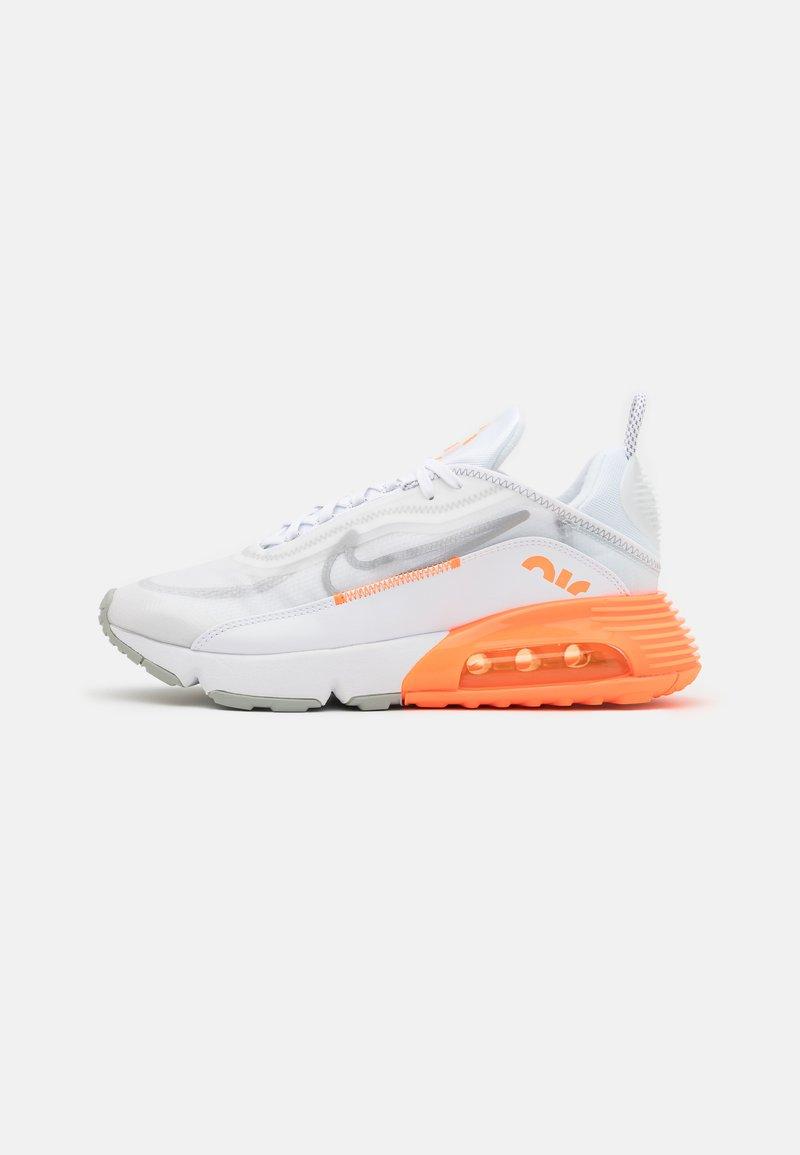 Nike Sportswear - AIR MAX 2090 SE UNISEX - Sneakers - white/metallic silver/total orange/light smoke grey