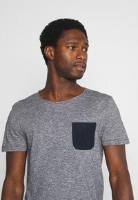 TOM TAILOR DENIM - Print T-shirt - dark blue - 3