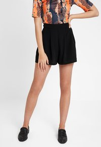 KIOMI - Shorts - black - 0