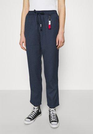 PINSTRIPE PANT - Spodnie materiałowe - twilight navy/white