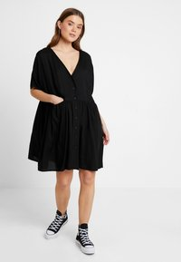 Monki - TEODORA DRESS - Robe chemise - black - 1