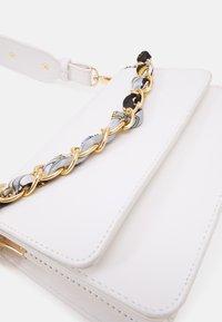 Pieces - PCELISH KEY - Handbag - bright white/multi - 3