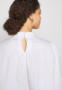Selected Femme Petite - SLFNOVA - Bluzka - bright white - 6