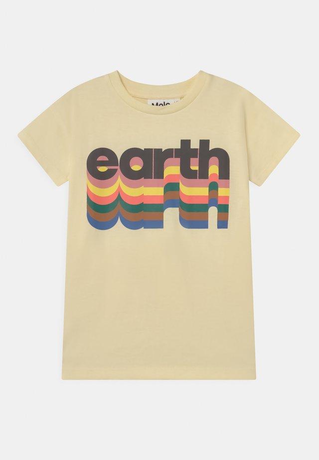 ROBINE - Print T-shirt - off white