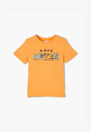 MIT FRONTPRINT - Print T-shirt - light orange