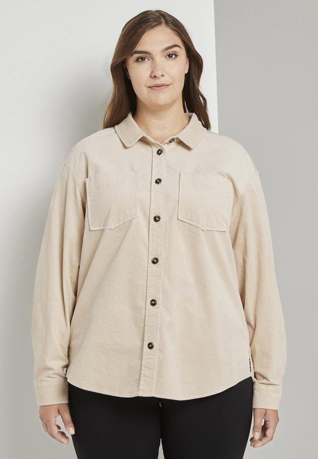 Skjortebluser - warm sand beige