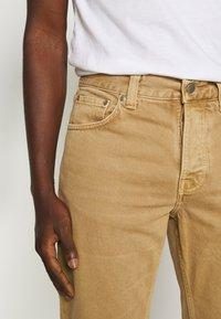 Nudie Jeans - STEADY EDDIE II - Relaxed fit jeans - desert worn - 3