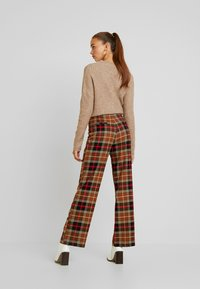 Monki - STACY TROUSERS - Pantalones - brown medium dusty - 2