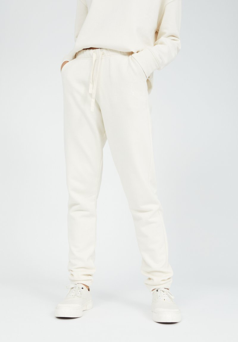 ARMEDANGELS - IVAA UNDYED - Tracksuit bottoms - undyed
