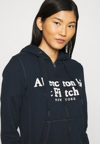 Abercrombie & Fitch - LONG LIFE FULL ZIP - Hettejakke - navy - 4