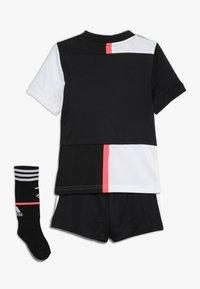 adidas Performance - JUVENTUS MINI SET - Sports shorts - black/white - 1