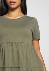 ONLY Petite - ONLAYCA PEPLUM - Print T-shirt - kalamata - 4