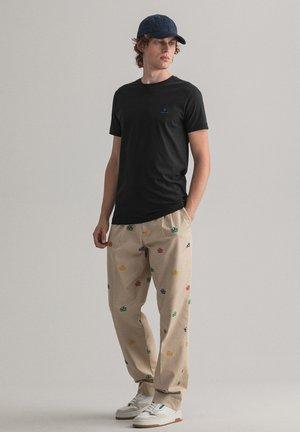 CONTRAST - T-shirt basic - black