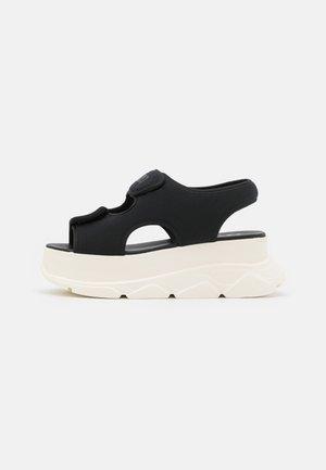 NEW SPICE WEDGE  - Sandály na platformě - black