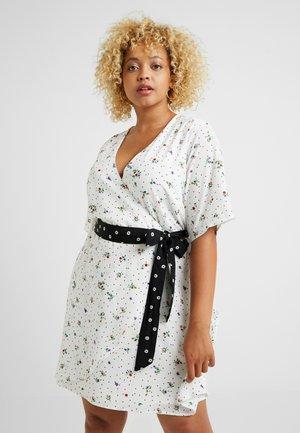 WRAP DRESS WITH CONTRAST PRINT WAIST TIE - Day dress - white