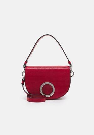 MIDLUNA - Across body bag - rosso