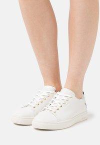 Paul Smith - LEE - Sneakersy niskie - white - 0