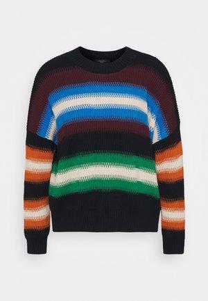 ALBENGA - Stickad tröja - smaragdgrun