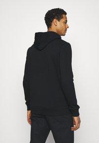 CLOSURE London - SAVAGE DEATH HOODY - Sweatshirt - black - 2