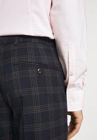 Ben Sherman Tailoring - CHECK SUIT - Kostym - navy - 6