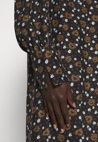 Lovechild - WALLIS - Shirt dress - breen - 6