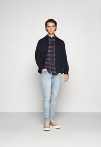 Jack & Jones - JJPLAIN CHECK - Skjorta - navy blazer - 1
