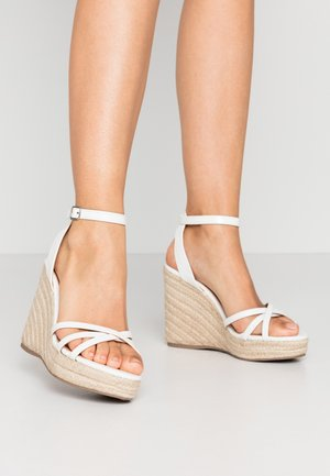 PEDGER - Korolliset sandaalit - white