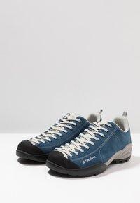 Scarpa - MOJITO UNISEX - Hiking shoes - ocean - 2