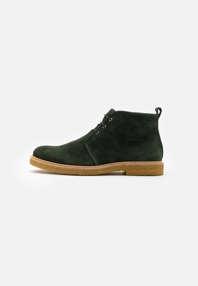 CAST CHUKKA - Chaussures à lacets - green