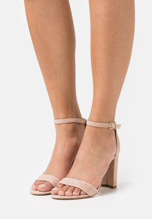 JERECLY - Sandals - light brown