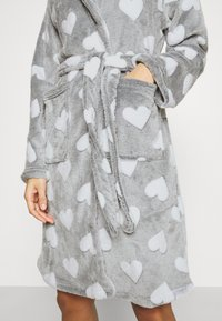 Loungeable - HEART LUXURY HOODED ROBE - Badjas - grey - 5