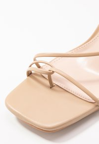 BEBO - RICHIE - Sandały na obcasie - nude - 2