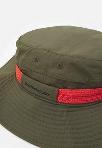 Peak Performance - SAFARI HAT UNISEX - Hatt - black olive - 3
