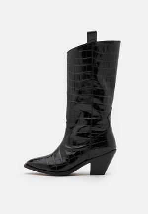 YASSORINA TALL - Kovbojské/motorkářské boty - black