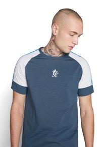 Gym King - CORE PLUS  - Camiseta estampada - bearing sea - 4