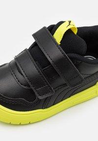 Puma - MULTIFLEX UNISEX - Sports shoes - black - 5