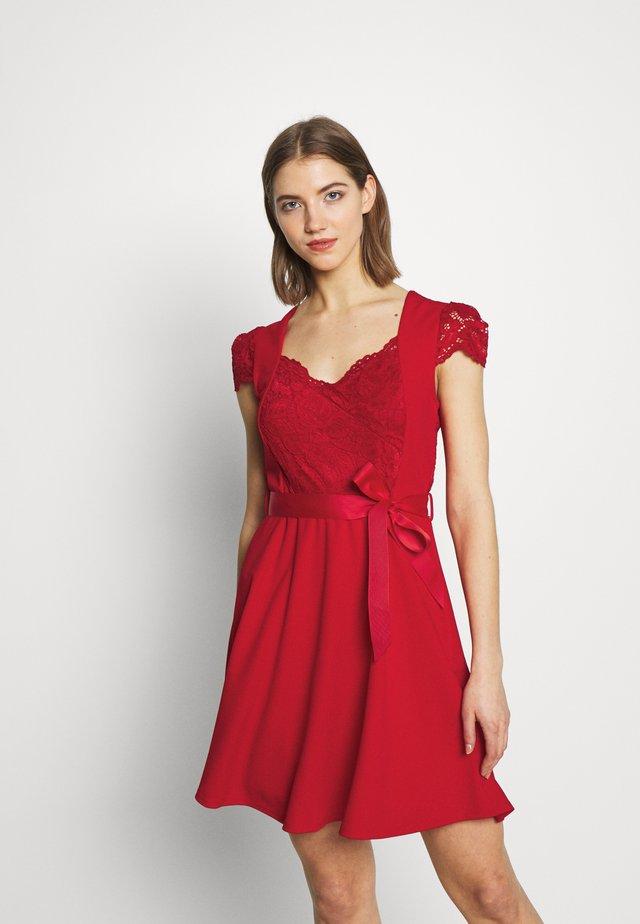 RSTAR - Vestido informal - rouge