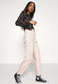 Levi's® - HIGH LOOSE TAPER - Jeansy Relaxed Fit - off-white - 3
