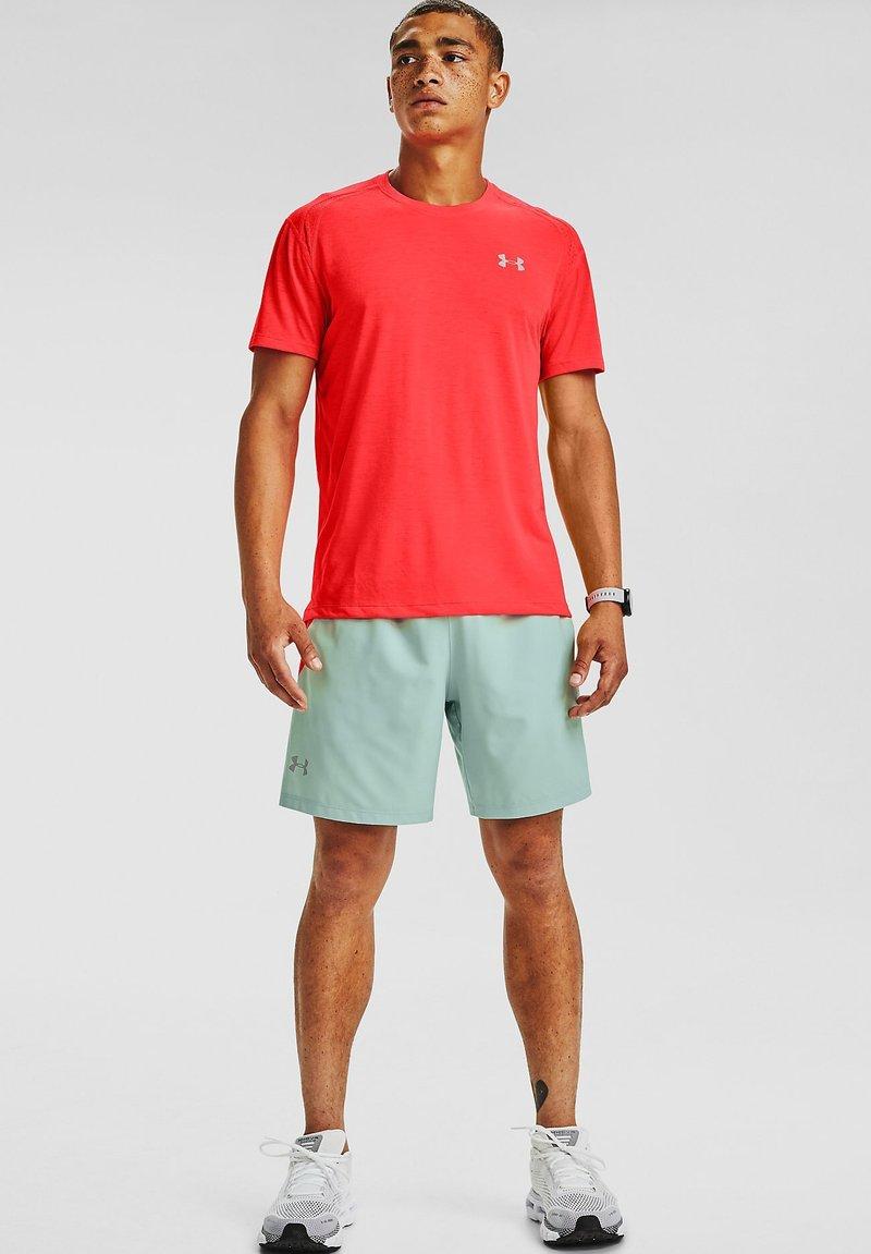 Under Armour - STREAKER SHORTSLEEVE - Sports shirt - beta