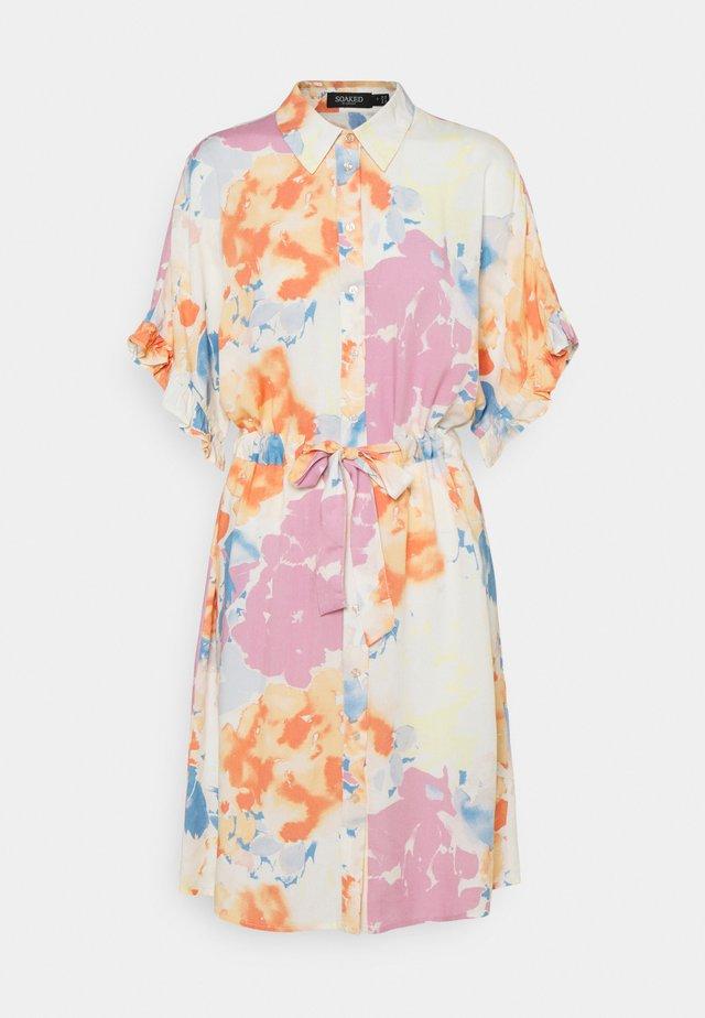 SAPHIRA DRESS - Košilové šaty - watercolor
