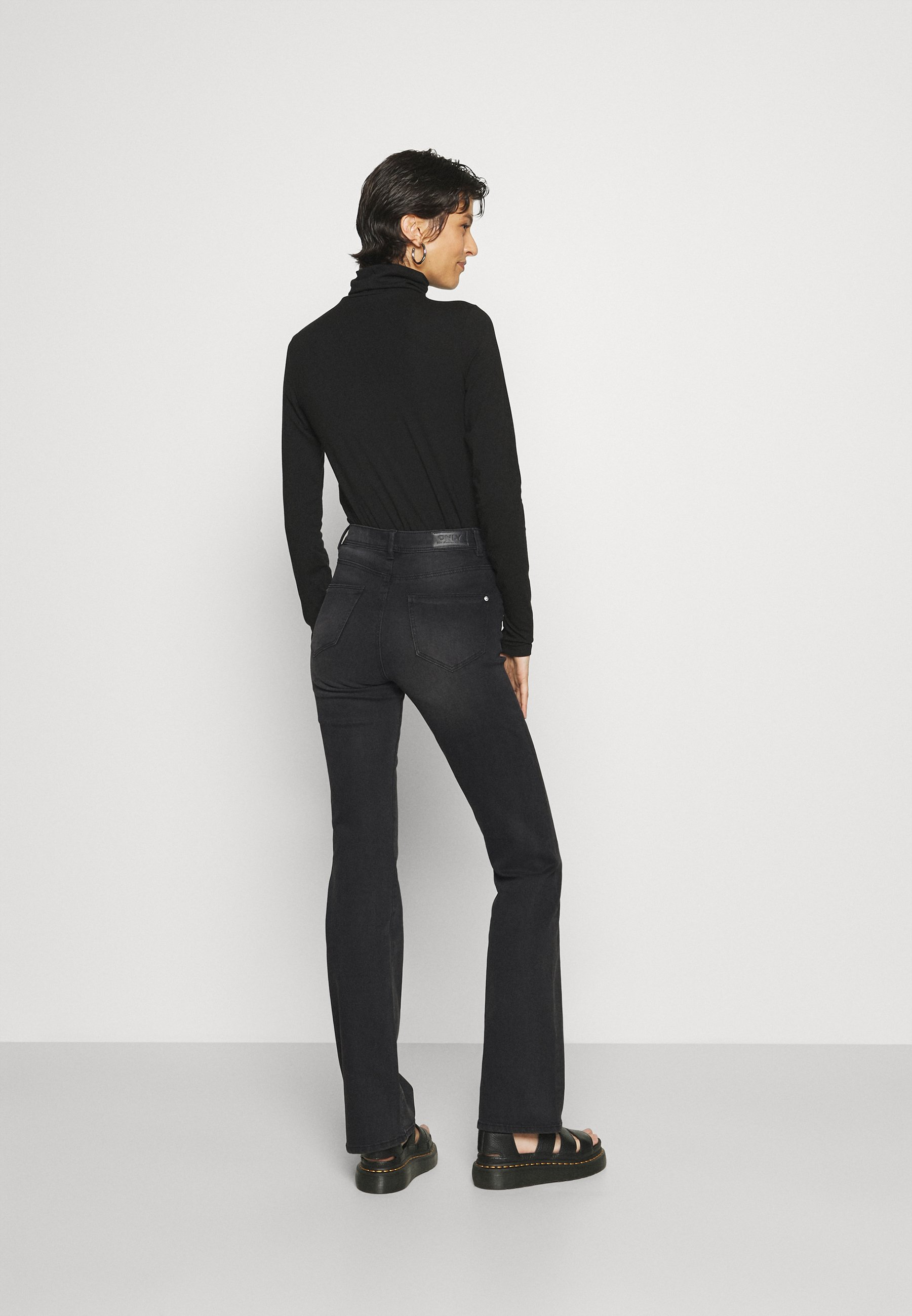 Damer ONLWAUW LIFE MID FLARED  - Flared jeans