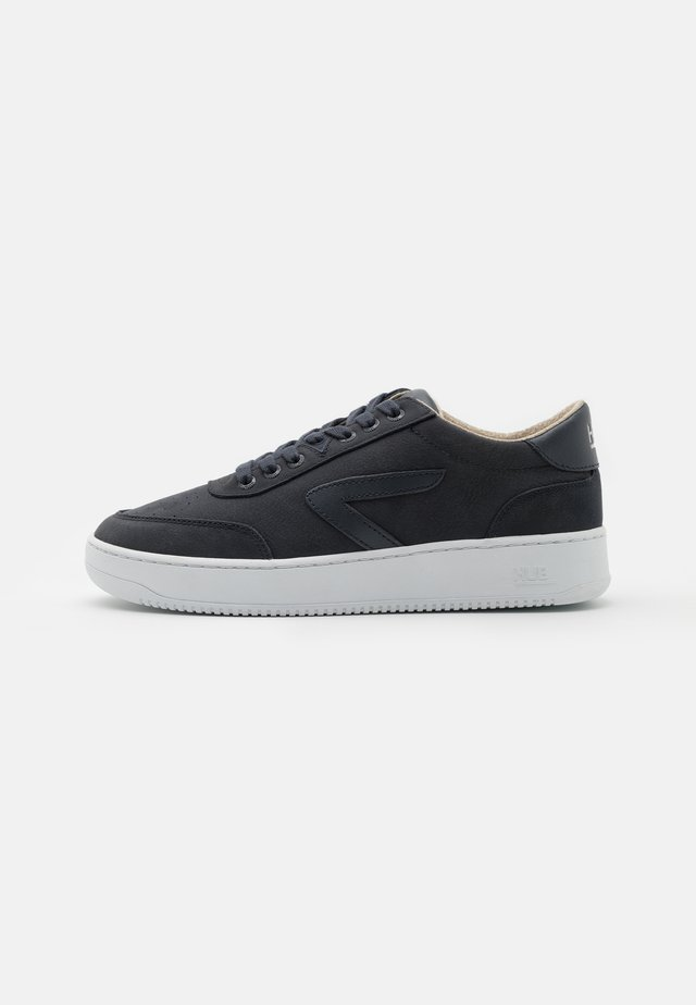 BASELINE-M - Sneakers basse - navy/white