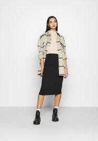 Even&Odd - 2 PACK - Pencil skirt - black/bordeaux - 1