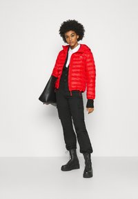 Levi's® - PACKABLE JACKET - Light jacket - poppy red - 1
