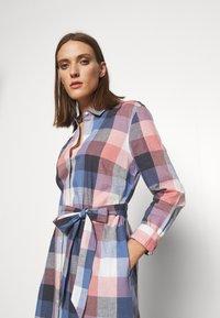 Barbour - TERN CHECK DRESS - Sukienka koszulowa - oyster pink - 4