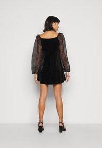 Missguided Petite - PUFF SLEEVE SKATER DRESS - Day dress - black - 2