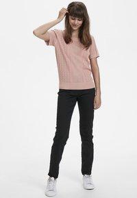 Cream - Print T-shirt - rose dawn - 1