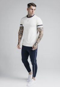 SIKSILK - DELUXE RINGER TECH TEE - T-Shirt basic - off white - 1
